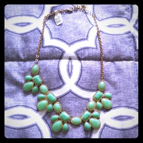 Francesca's Collections Jewelry - ⭐ NEW 📿 Francesca's Mint Choker Bib Necklace 💚